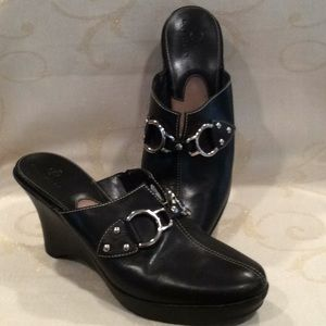 """LIKE NEW """"COLE HAAN"""" CLOGS"""